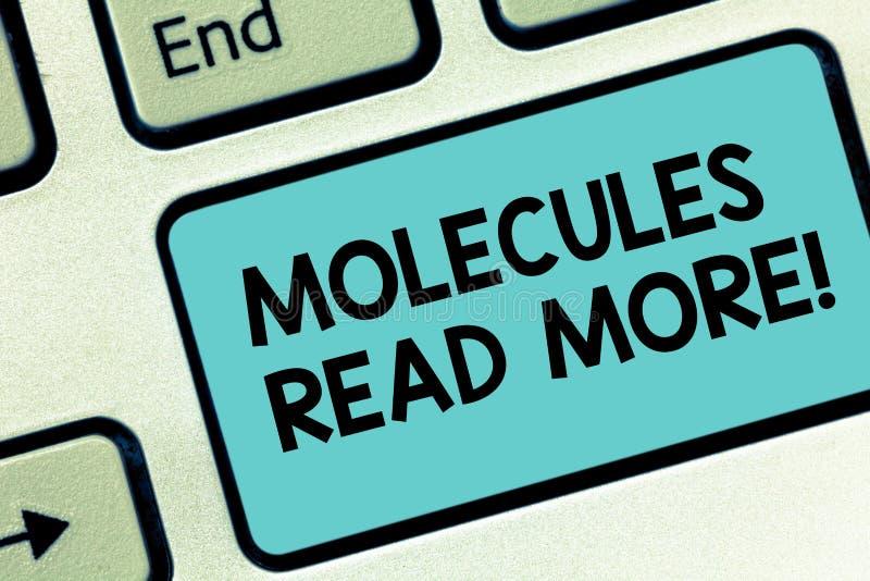 Słowo pisze tekst molekułach Czyta Więcej Biznesowy pojęcie dla małej kwoty chemicznej atom cząsteczki lądzieniec Klawiaturowy kl zdjęcia royalty free