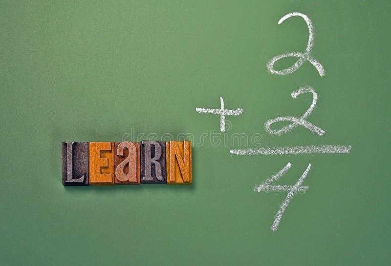 Słowo uczy się w letterpress typ na chalkboard obrazy royalty free