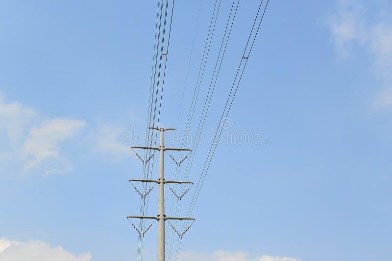 słupa elektryczny wysoki woltaż obrazy stock