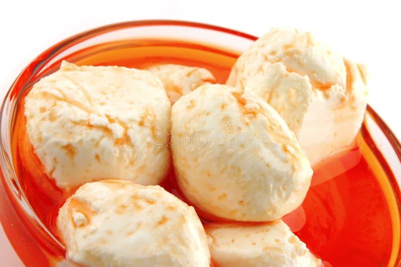 słuzyć serowa mozzarella obraz stock