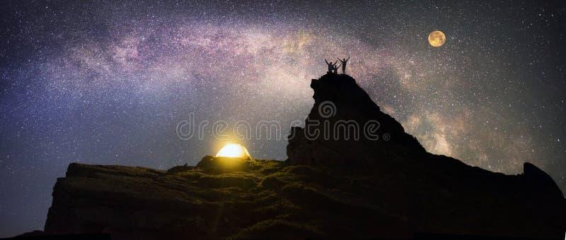 S'élever de nuit photographie stock libre de droits