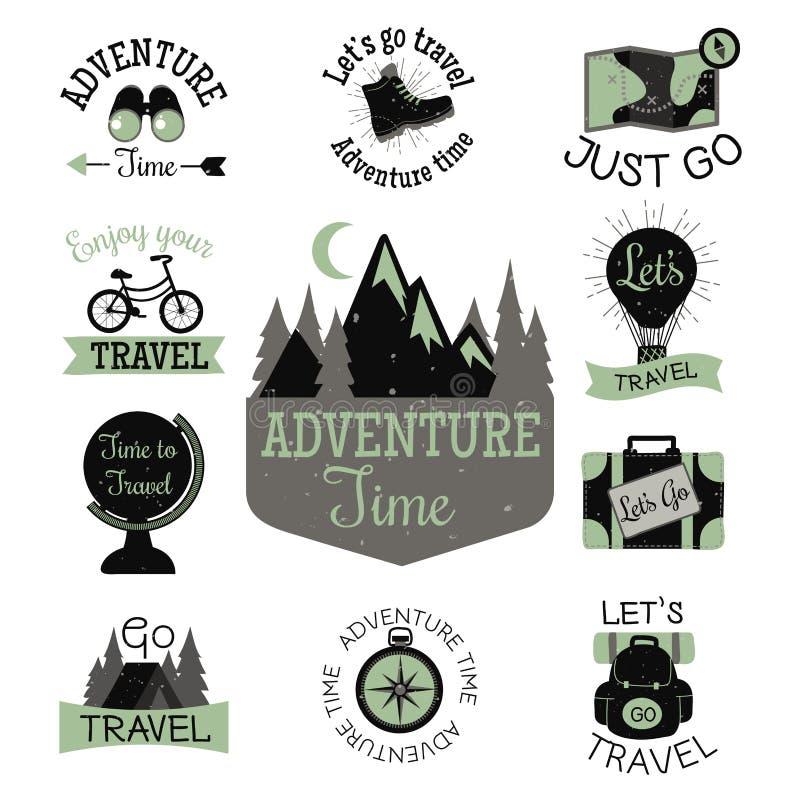 S'élever tiré par la main de labels de vecteur de montagne de voyage extérieur de camping illustration stock