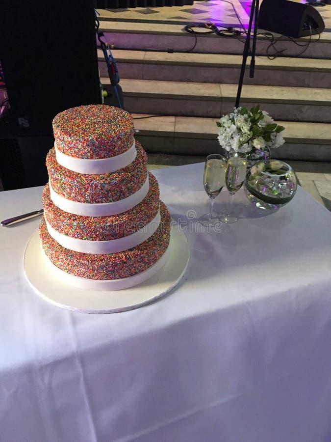 100s & γαμήλιο κέικ 1000s στοκ φωτογραφία με δικαίωμα ελεύθερης χρήσης