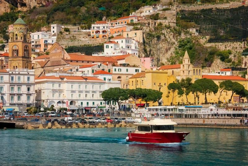 Вид города Амальфи Кампания Италия стоковое фото rf