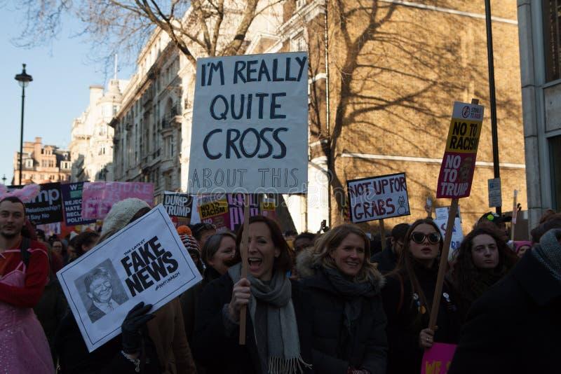 ` S Лондон -го женщин март, 2016 стоковое изображение rf