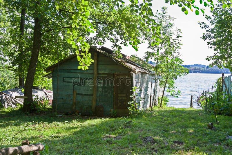 ` S рыболовов полинянное озером стоковые изображения