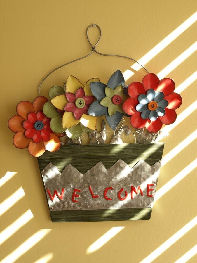 S'arrêter de mur floral bienvenu photo stock