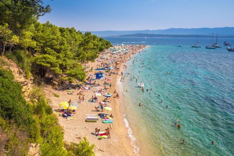 S?awna Zlatni szczura pla?a w Bol, wyspa Brac, Chorwacja obrazy royalty free
