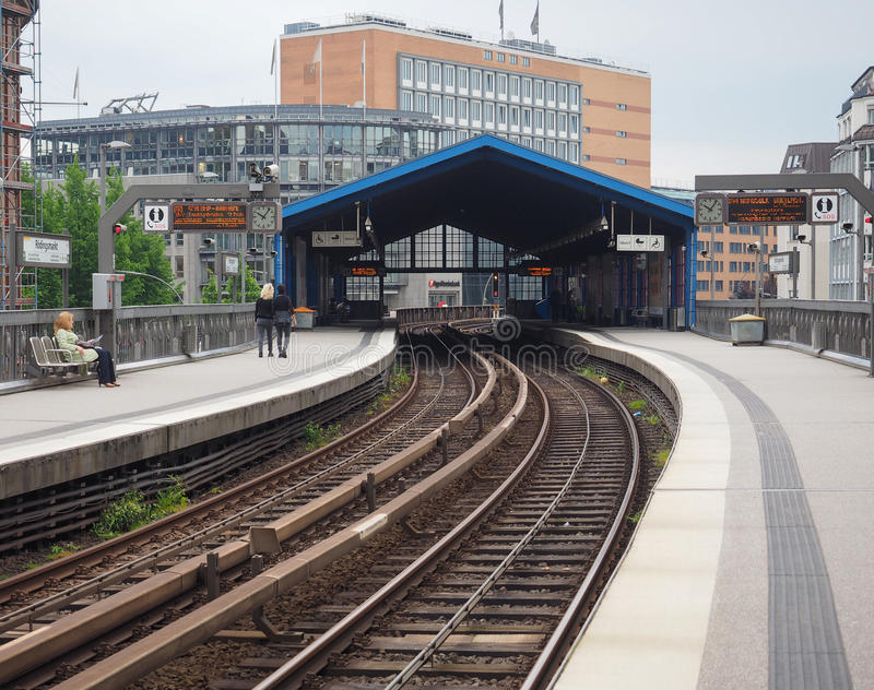 S Bahn S pociąg w Hamburg obrazy stock