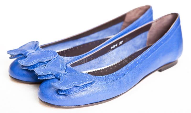 s bleu chausse des femmes image stock