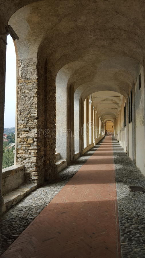 S Chiara& x27; s arcades royalty-vrije stock afbeeldingen