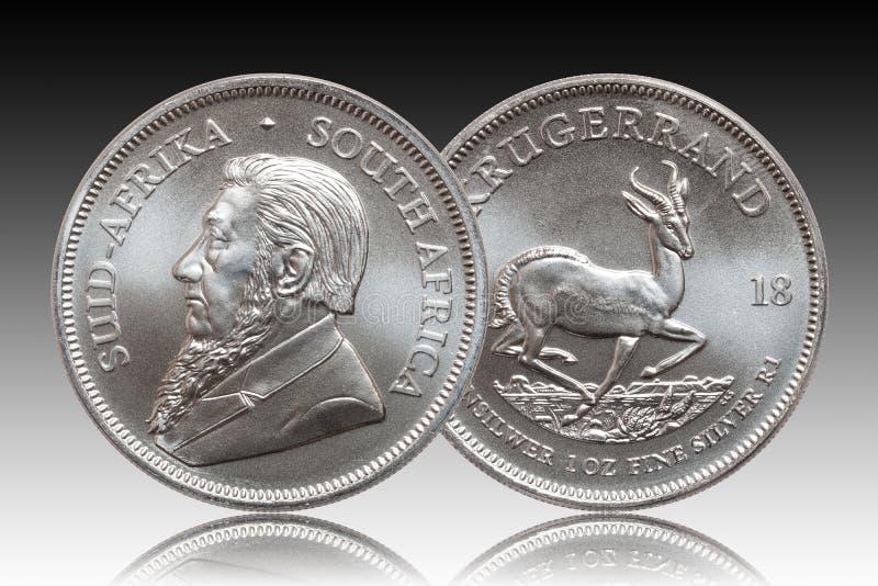 S?dra - afrikansk krugerrand bakgrund f?r lutning f?r 1 uns silverguldtackamynt royaltyfri illustrationer