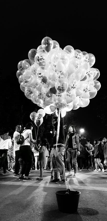 s?lja f?r ballonger royaltyfri foto