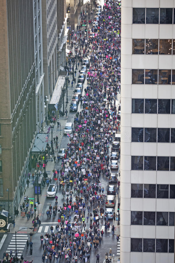 ` S março das mulheres em Chicago 2017 fotos de stock