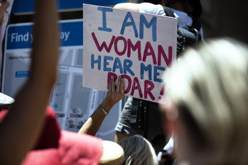` S março das mulheres, Sydney - Austrália fotografia de stock royalty free