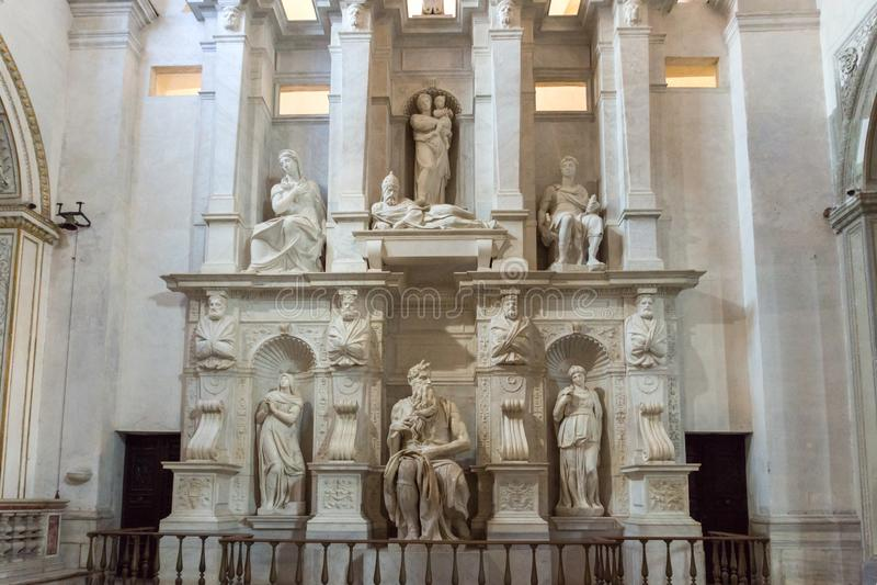 ` S Mo?se, statue de Micha?l Angelo dans la basilique de St Peter dans les cha?nes San Pietro dans Vincoli dans le RO photographie stock