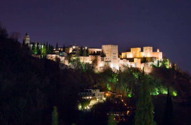 's nachts Alhambra stock foto's