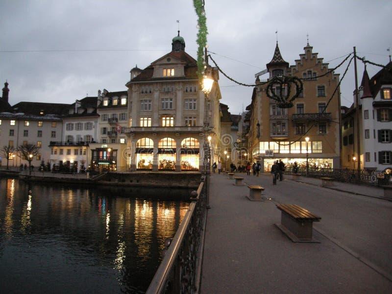 's nachts cityscape van Luzern royalty-vrije stock foto's