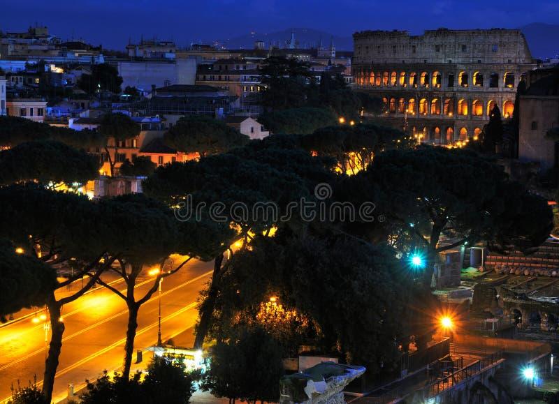 's nachts Colosseum stock fotografie