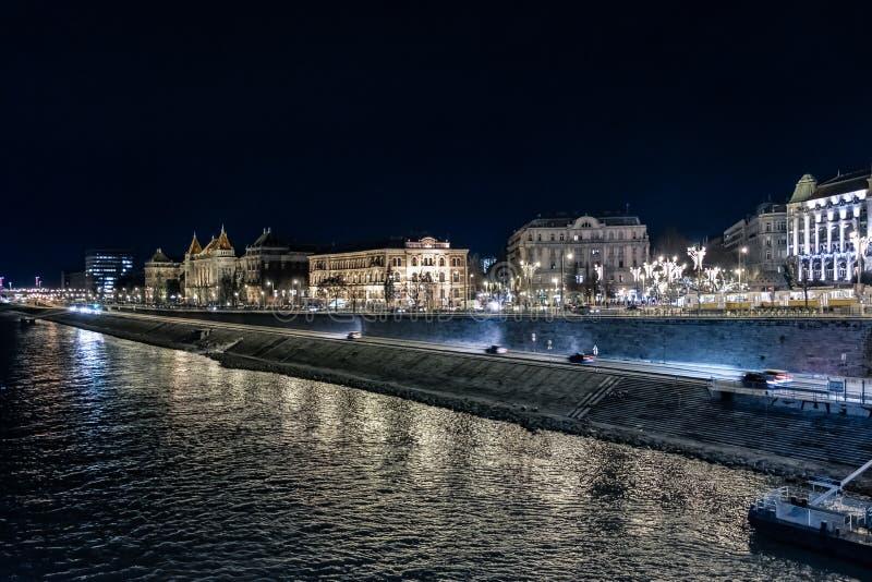 's nachts de Dijk van Donau royalty-vrije stock afbeeldingen