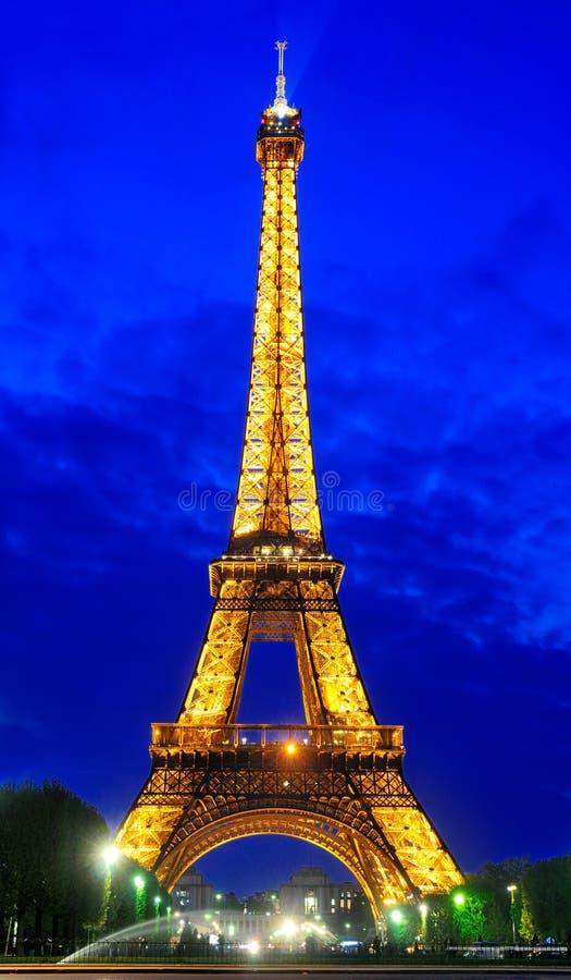 's nachts de Toren van Eiffel royalty-vrije stock afbeelding