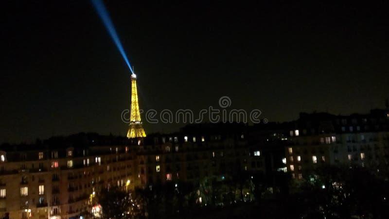's nachts Eiffel stock afbeeldingen