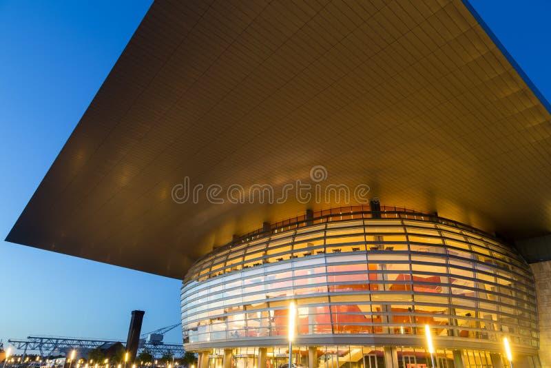 's nachts het Huis van de Opera van Kopenhagen stock foto's