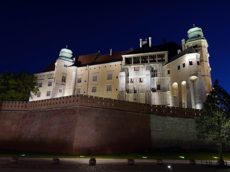 's nachts het Kasteel van Wawel stock afbeeldingen