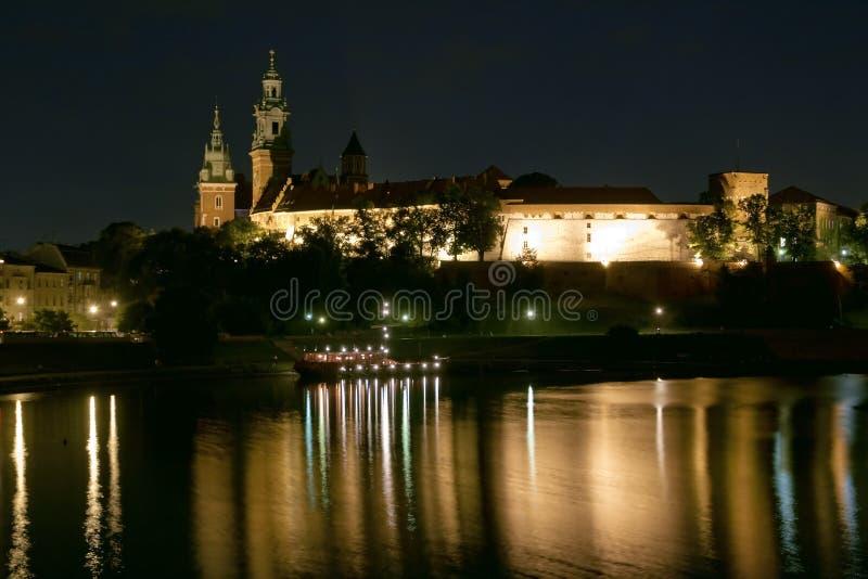 's nachts het kasteel van Wawel royalty-vrije stock foto