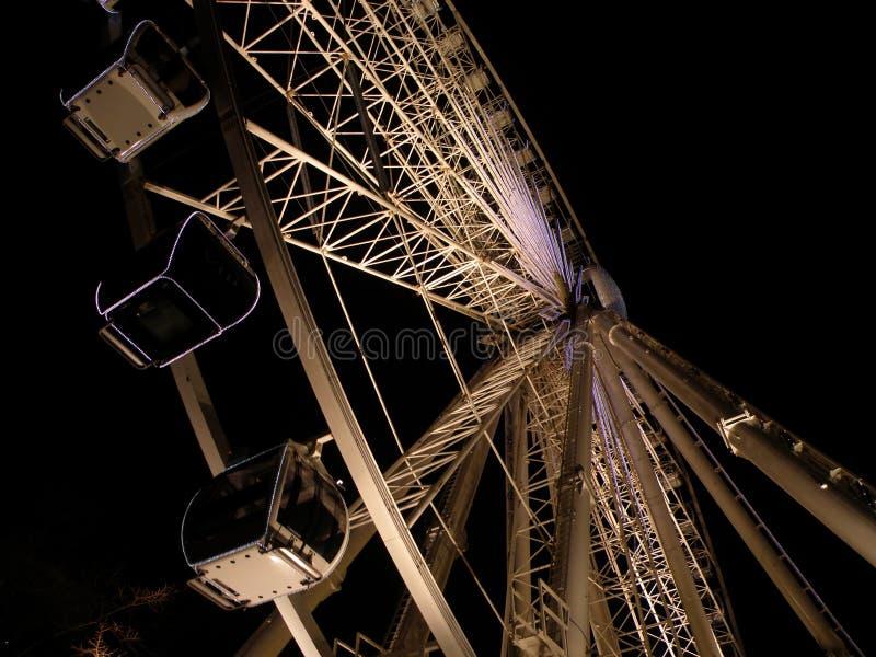 's nachts het Reuzenrad van Belfast stock foto's