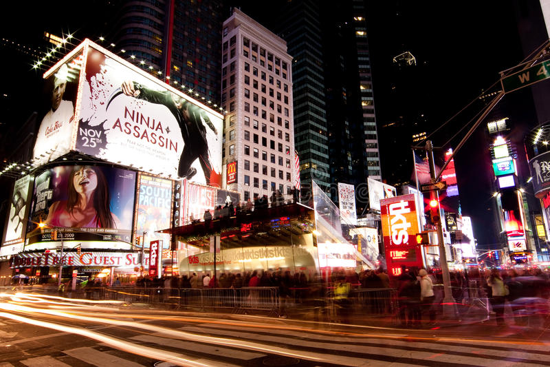 's nachts het Vierkant van Broadway af en toe stock afbeelding