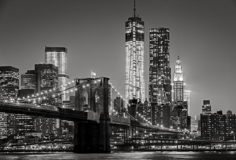 """'s nachts New York De Brug van Brooklyn, Lower Manhattan†""""Zwarte stock foto's"""