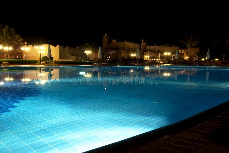 's nachts pool stock foto