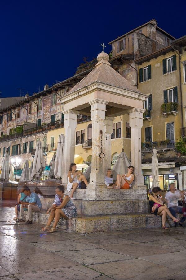 's nachts Verona stock fotografie