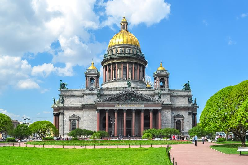 ` S St. Isaac Kathedrale, St Petersburg, Russland stockfotografie