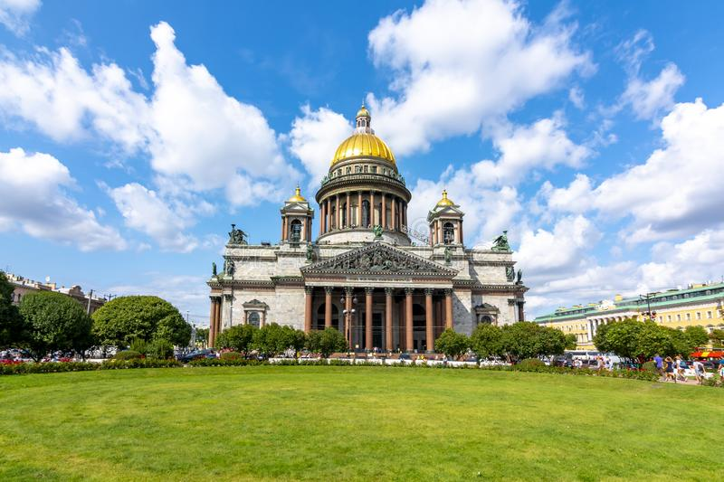 ` S St. Isaac Kathedrale, St Petersburg, Russland stockfoto