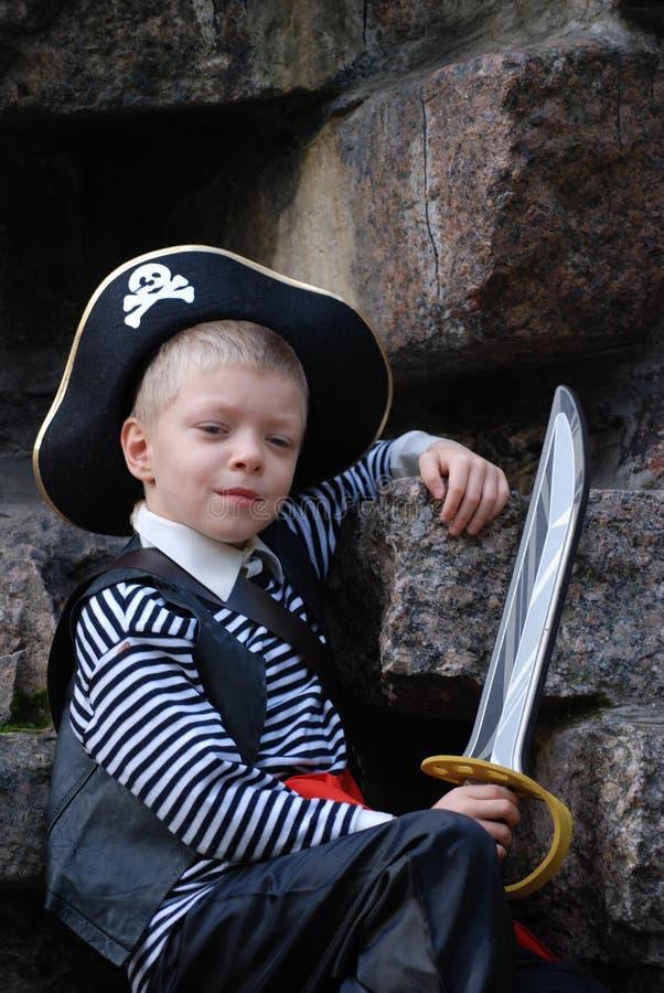 s'user de pirate de costume de garçon photographie stock libre de droits