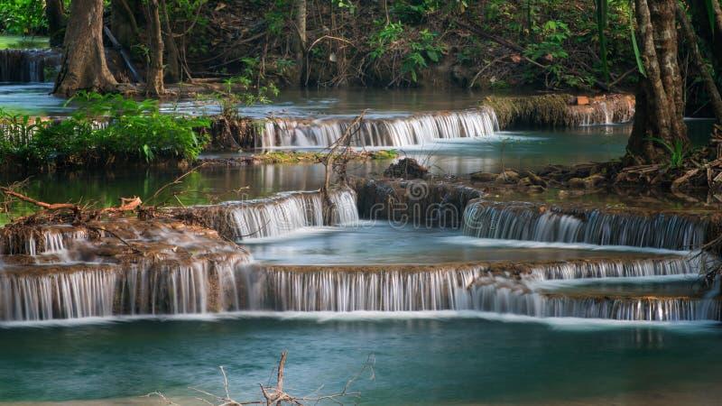 ` S Waterfal de Erawan, província encontrada de Kanchanaburi imagens de stock