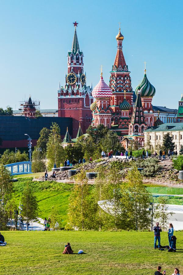 ` S y Moscú el Kremlin de la albahaca del St de la catedral de Pokrovsky del PA imágenes de archivo libres de regalías