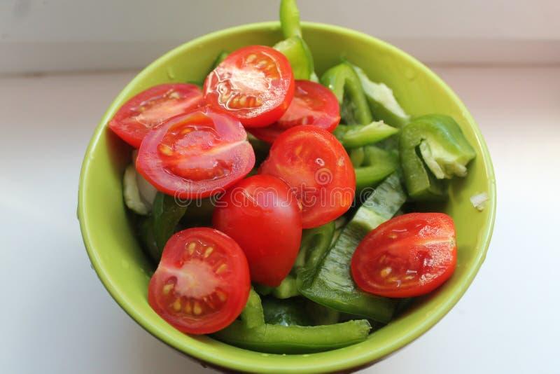 Sałatka od czereśniowego pomidoru fotografia stock