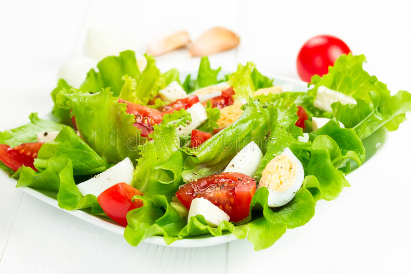 Sałatka z pomidorami i mozzarellą obraz stock