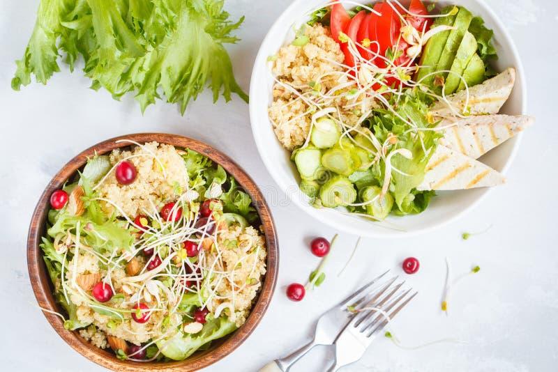 Sałatki z quinoa i warzywami obraz stock
