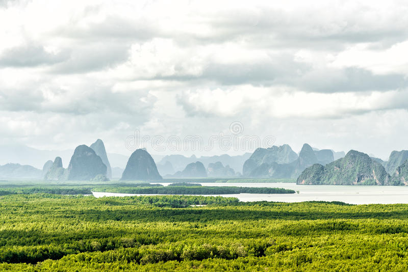 Sa遇见nang shee的观点 看见安达曼海、山和森林的最著名的观点在Phang Nga省,泰国 免版税图库摄影