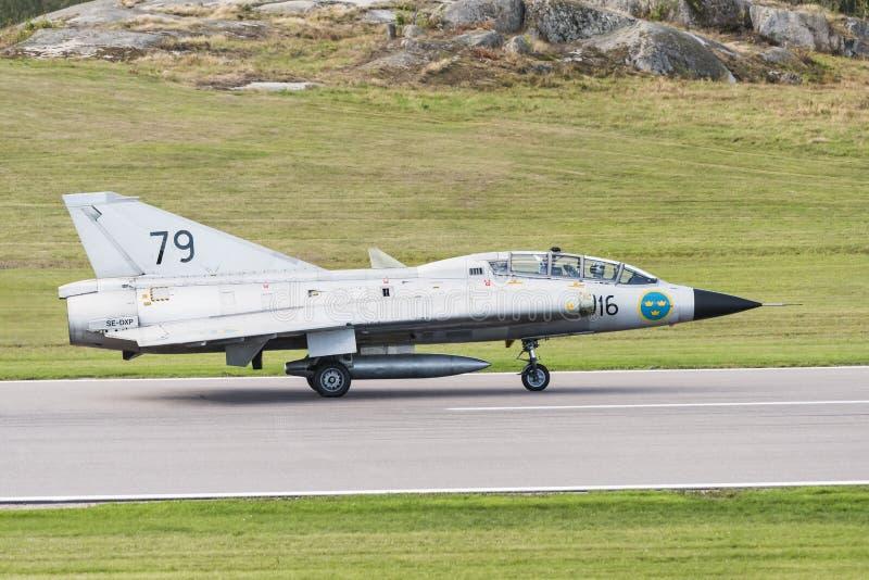 SAAB Sk 35 aviões de Draken apenas aterrados imagem de stock