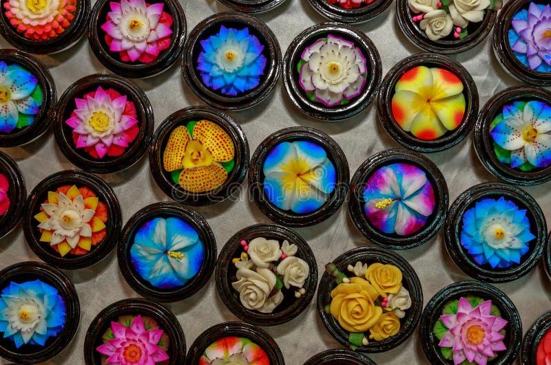 Sabão colorido feito a mão da flor do ofício imagem de stock