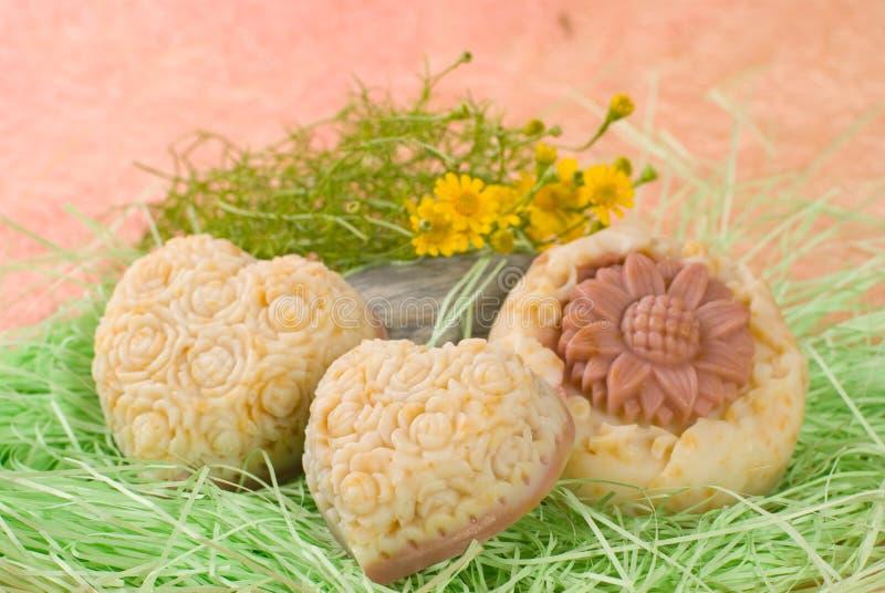 Sabão Handmade com flor do littele imagens de stock