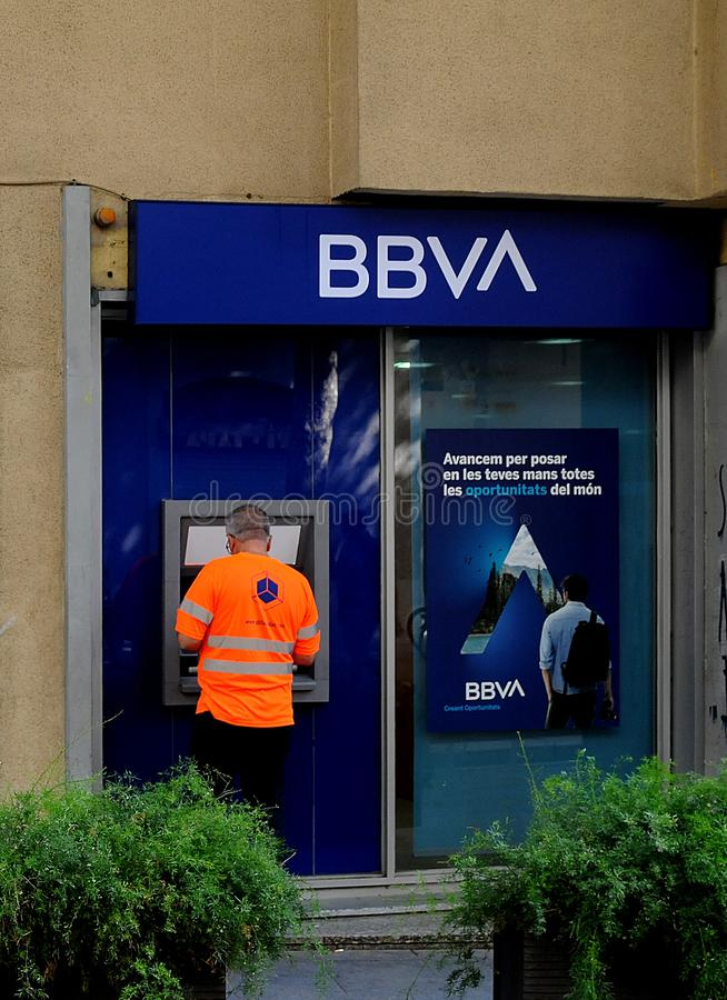 SABADELL BANK EN bbvabank IN Barcelona Spanje stock fotografie