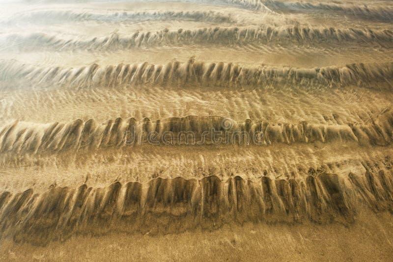 Sabbia del fondale marino ad alta marea fotografia stock