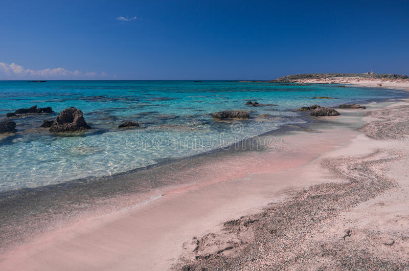 Sabbia rosa in spiaggia di Elafonisi fotografie stock