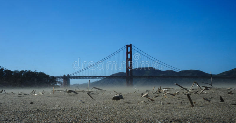 Sabbia Stom vicino a golden gate bridge fotografie stock